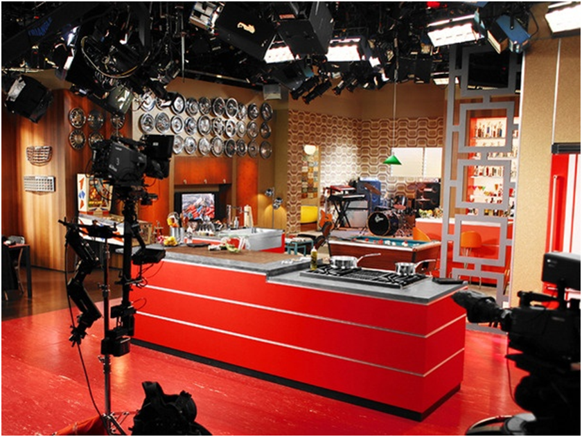 Famous kitchens get the look guy fieri tv chef s edition for Kitchen setting pictures