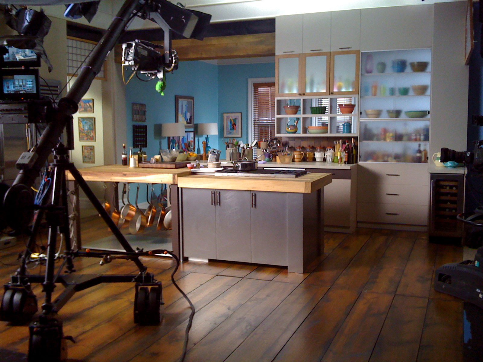 Famous kitchens get the look anne burrell tv chef s for Kitchen set up for restaurant